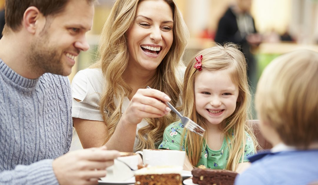 Choose Healthier Options for Your Kids When Eating Out