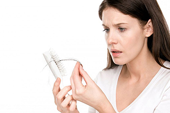 Common Causes of Female Hair Loss, Symptoms and How to Stop It